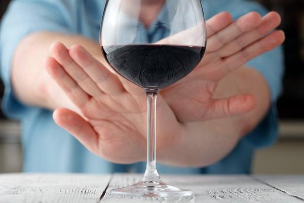 Безперечно, найкращий захист печінки – повна відмова від вживання міцних напоїв