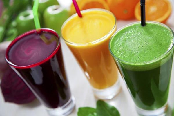 Однак і на свіжовичавлені соки теж не слід налягати. В процесі виготовлення таких соків втрачається корисна клітковина, яка так важлива для організму людини.