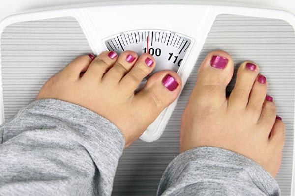 Одним із симптомів залежності від їжі є постійне зростання кількості спожитої їжі, особливо рафінованих продуктів