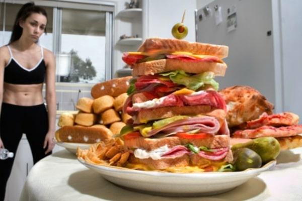 Апетит може з'явитися навіть тоді, коли насправді людина не голодна, а організм ще не має потреби в новій порції енергії з їжі