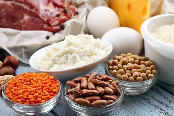 Сонливість викликають і продукти, багаті триптофаном - амінокислотою, що бере участь в синтезі мелатоніну - гормону сну