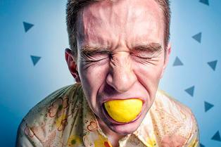 Запах з рота. Причина. Як позбутися неприємного запаху з рота.